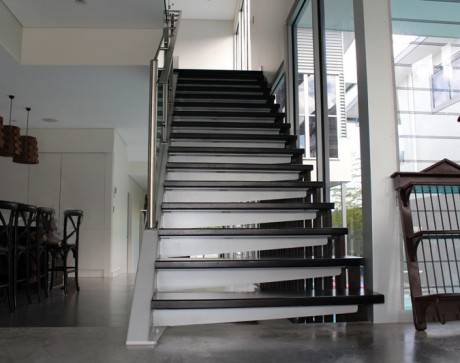 modernus-vidaus-laiptai